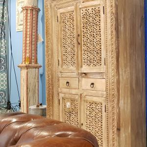 Stipo Indiano in legno Sheesham con 4 Ante e 2 Cassetti Teypat – Non Disponibile